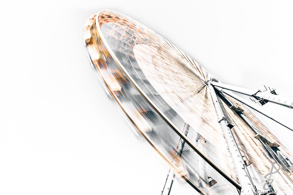 Dapacari acheter photo lyon grande roue desaturation partiel en noir et blanc reflet jaune dorée pose longue effet vitesse photo d'art